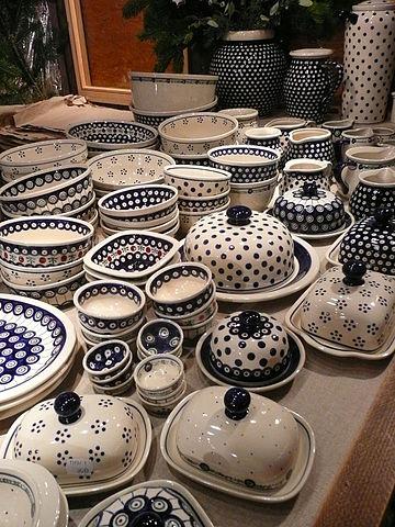 Bolesławiec pottery - great souvenir from Poland
