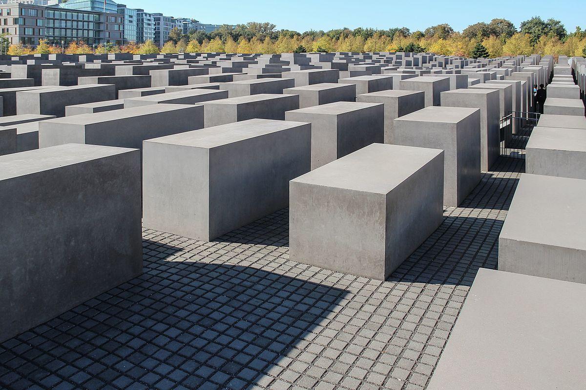 Holocaust Memorial - Denkmal für die ermordeten Juden Europas (Memorial to the Murdered Jews of Europe)