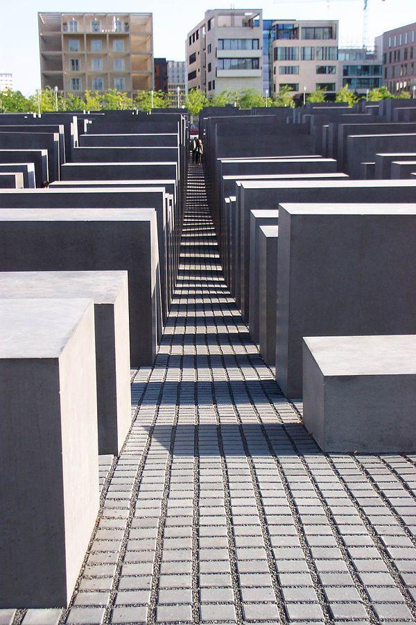 Berlin Holocaust Memorial - path and maze